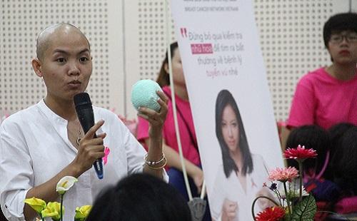 """Hiện nay có nhiều phương pháp điều trị ung thư vú mới mang lại hiệu quả cao, giúp chị em vẫn bảo tồn được """"biểu tượng phái đẹp"""" của mình."""