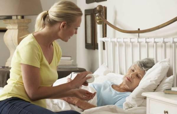 Nhận biết bệnh viêm gan qua yếu tố lây truyền khi chăm sóc người bệnh