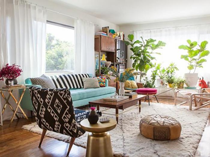 Trồng cây xanh là phương pháp làm sạch không khí trong nhà hiệu quả, được nhiều người áp dụng