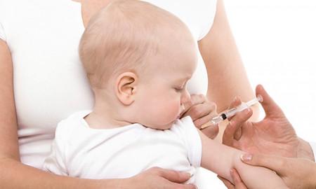 Trẻ sơ sinh cần tiêm phòng viêm gan B sau 24h