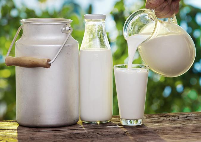 Người bị gút nên sử dụng các loại sữa ít béo.
