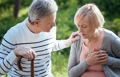 Người cao tuổi, người có nguy cơ mắc bệnh tim cần quan tâm đến cách phòng chống bệnh tim mạch.
