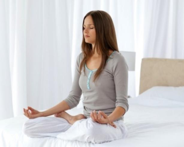 Thiền là một trong những phương pháp hỗ trợ chữa trị bệnh mất ngủ kéo dài không dùng thuốc an toàn.