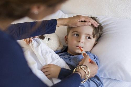Phòng tránh bệnh mùa đông như cảm cúm, viêm họng, ho... là việc nên làm để đảm bảo sức khoẻ.
