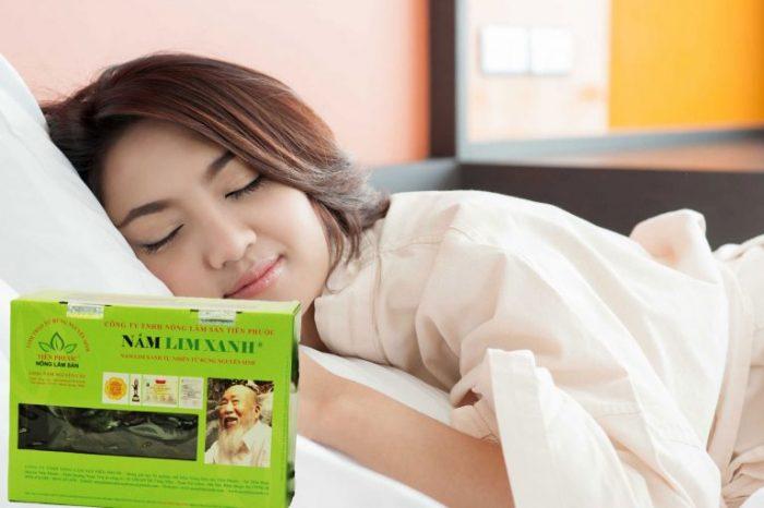 Nấm lim xanh giúp trị mất ngủ đau đầu bằng tác dụng an thần, giảm mệt mỏi.