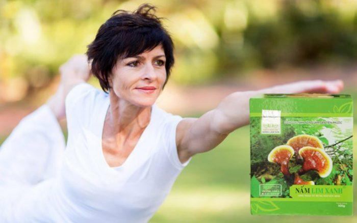 Nấm lim xanh có tác dụng tăng sinh nội tiết tố nữ giúp phụ nữ hạn chế triệu chứng tiền mãn kinh.