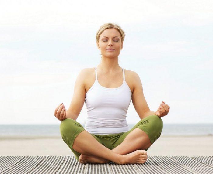 Ung thư cổ tử cung có chữa được không ảnh hưởng rất nhiều từ tâm lý. Thiền định giúp bệnh nhân lạc quan hơn, có tác dụng tốt trong điều trị.