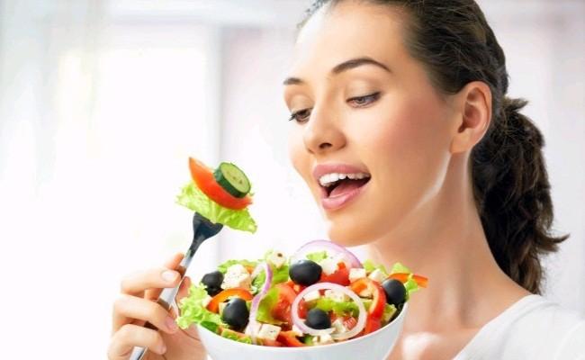 nấm lim xanh mụn trứng cá nên ăn vitamin e