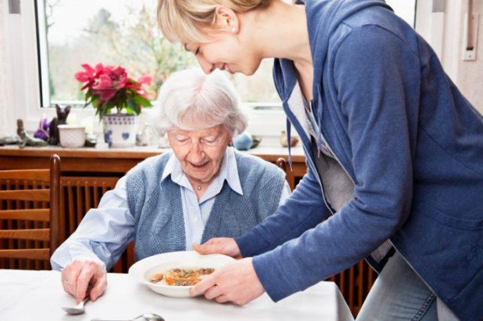 Chế độ ăn cho người bệnh nên theo sở thích, không nên kiêng quá nhiều