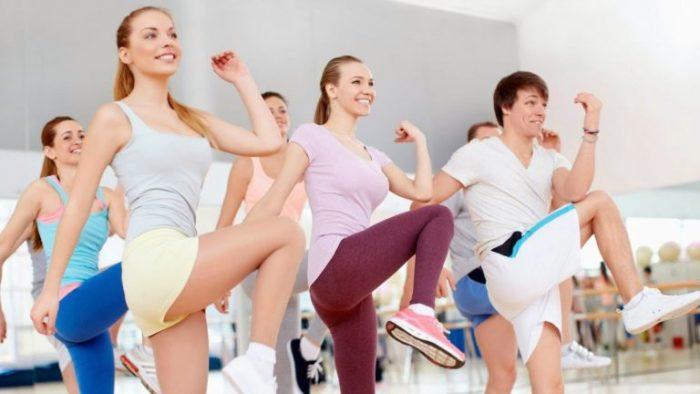 Tập thể dục đều đặn là thói quen tốt để da khỏe đẹp.