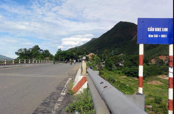 Khi thấy biển chỉ dẫn này, đường đi Khe Lim Đại Lộc - Quảng Nam chỉ còn khoảng 15km.