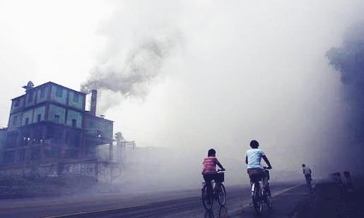 Ô nhiễm môi trường là nguyên nhân gây ung thư về đường hô hấp.