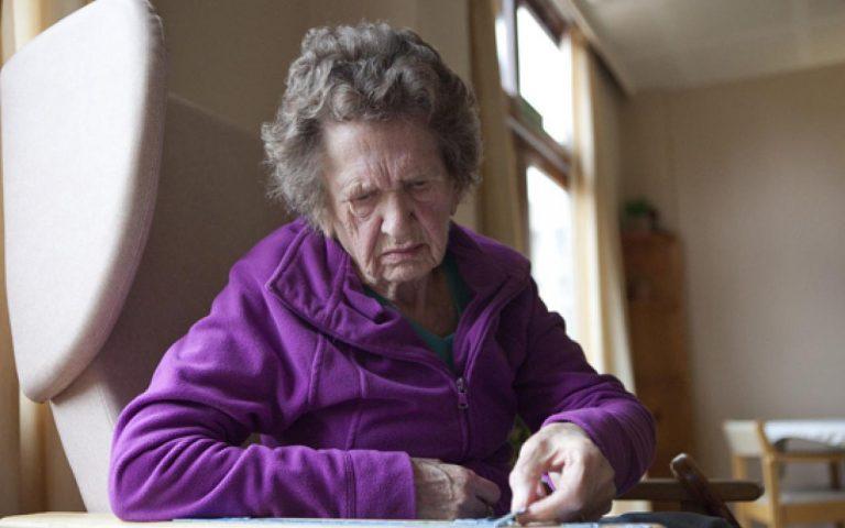 những bệnh không mời mà đến thường gặp ở người già nấm lim xanh