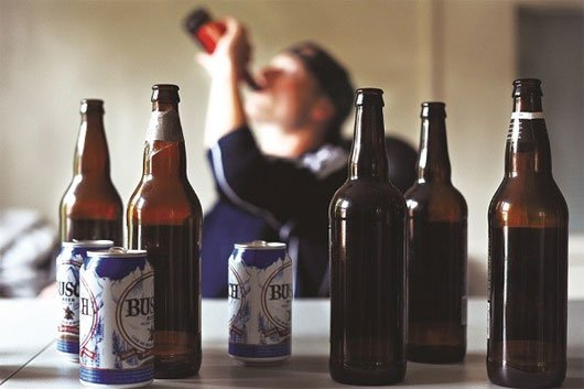 Nguyên nhân gan nhiễm mỡ do uống quá nhiều rượu bia