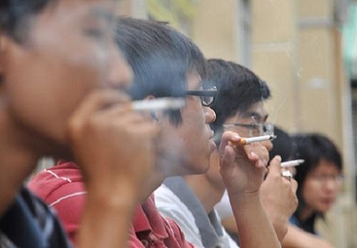 Hút thuốc lá là một trong những nguyên nhân gây ung thư phổ biến