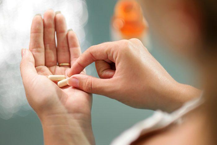Điều trị bệnh gout bằng thuốc Tây - ảnh minh họa