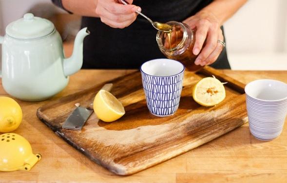 Nước uống giúp giảm cân nhanh từ chanh, mật ong giúp detox cơ thể, lấy lại làn da sáng mịn, vóc dáng thon gọn.