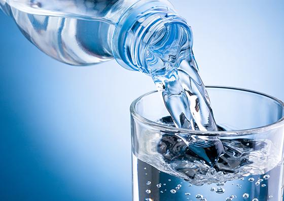 Nước uống kiềm tính rất tốt nhưng lại có giá hơi cao
