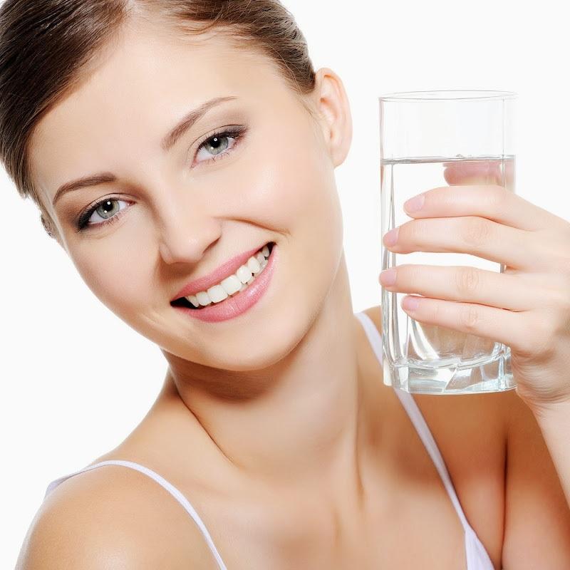 Nước uống kiềm tính giúp phụ nữ có làn da tươi sáng