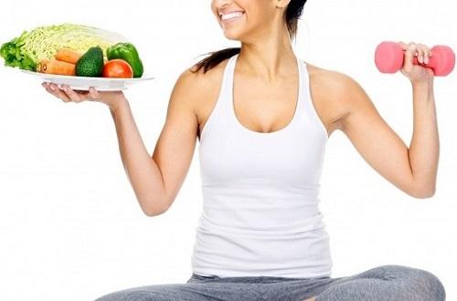 Thực phẩm chứa nhiều cholesterol tốt như bơ, dầu oliu,... không chỉ giúp phòng bệnh ung thư hiệu quả mà còn giúp vóc dáng luôn cân bằng.