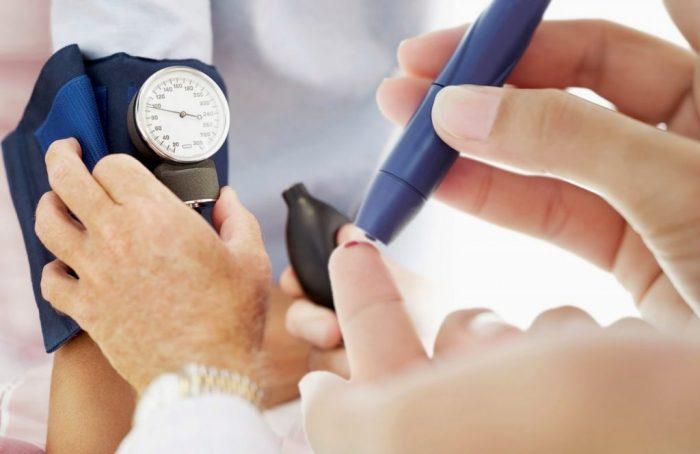 Biến chứng bệnh tiểu đường được phát hiện qua thăm khám