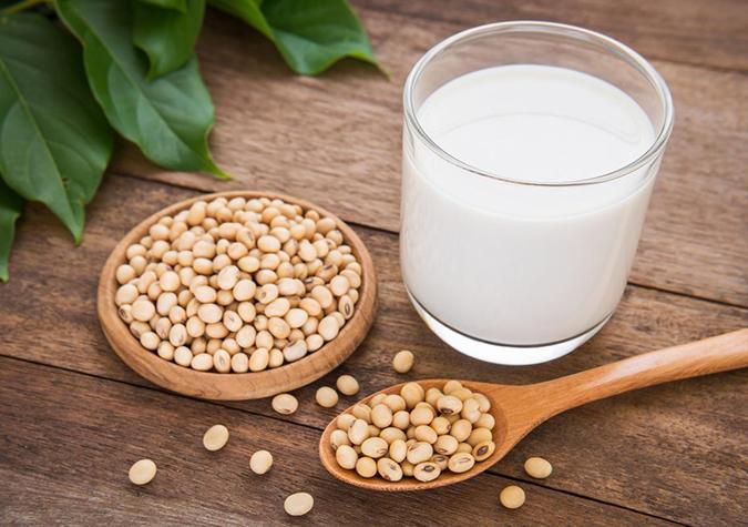 Uống sữa đậu nành tốt cho người mỡ máu