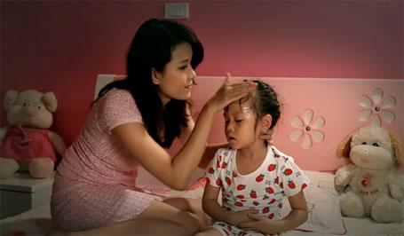 Trẻ ra mồ hôi trộm khi ngủ là triệu chứng thiếu vitamin D