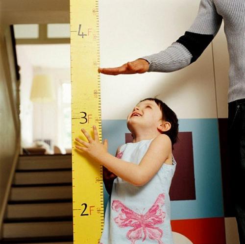 Khi ăn nhiều mì chính, trẻ nhỏ sẽ chậm phát triển chiều cao.