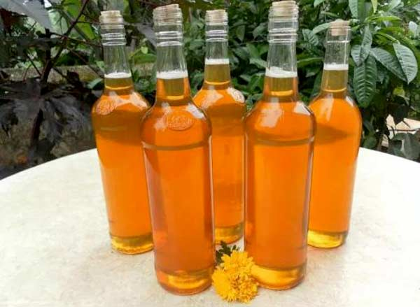 Mật ong nên bảo quản trong chai thủy tinh