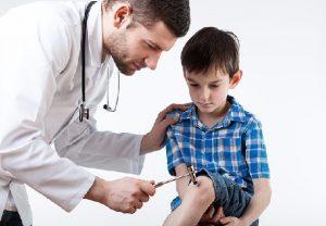 Đau xương khớp có thể là biểu hiện của ung thư máu ở trẻ em.