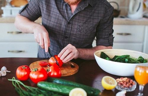 Bổ sung nhiều rau củ quả tươi để chữa trị ung thư tuyến giáp