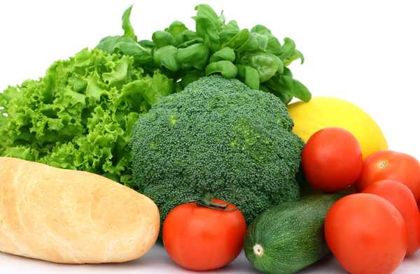 Thực phẩm ngăn ngừa ung thư gồm nhiều loại rau quả.