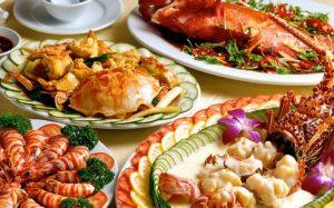 Ung thư phổi nên kiêng ăn gì? Kiêng hải sản