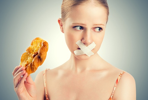 Bệnh nhân ung thư thực quản không nên ăn những thực phẩm khó nuốt