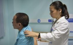 Thăm khám và xét nghiệm ung thư phổi thường xuyên để tránh nguy cơ mắc bệnh