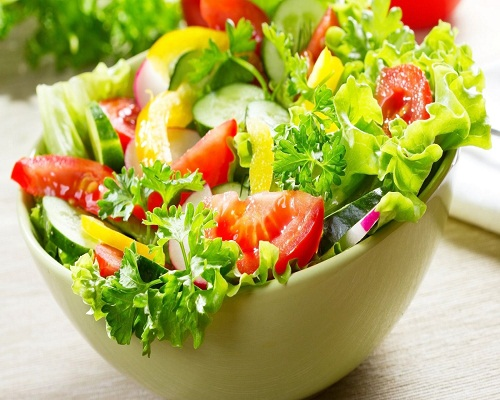 Bổ sung rau xanh và các loại vitamin cho bệnh nhân ung thư phổi