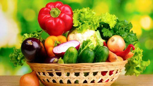 Ăn nhiều rau, quả, trái cây tươi xanh để ngăn ngừa ung thư trực tràng