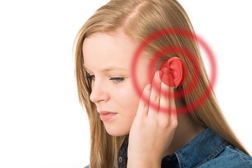 Ù tai một bên là biểu hiện của ung thư vòm họng