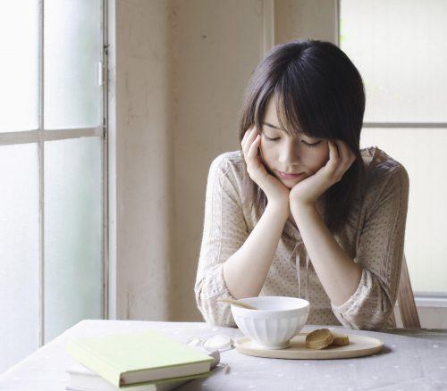 Mệt mỏi, chán ăn, sụt cân nhanh là những dấu hiệu của bệnh ung thư dạ dày.