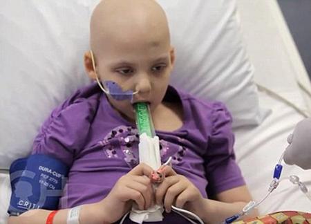 Người bệnh ung thư không nên ăn gì tùy thuộc vào tình trạng bệnh lý và sức khỏe của người bệnh