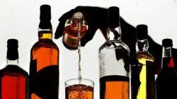 Uống rượu - một trong những nguyên nhân hàng đầu gây ung thư, đặc biệt là ung thư vòm họng