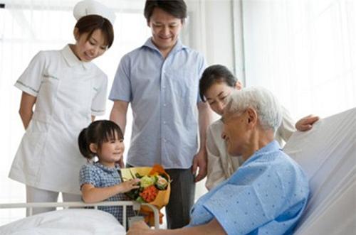 Phẫu thuật nội soi giúp tăng tỉ lệ sống cho bệnh nhân ung thư thực quản