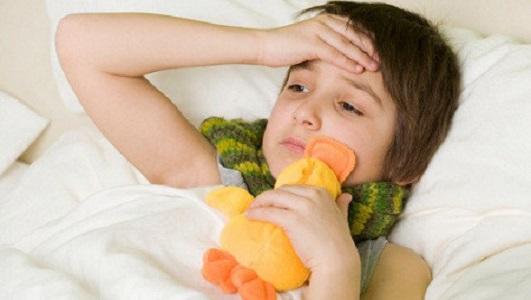 Trẻ hay bị sốt khi bị ung thư máu