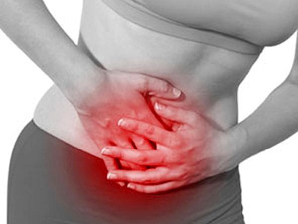 Ung thư cổ tử cung khiến người bệnh chảy máu và gây ra những cơn đau