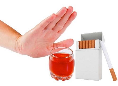Ung thư dạ dày di căn sang phổi do sử dụng chất kích thích