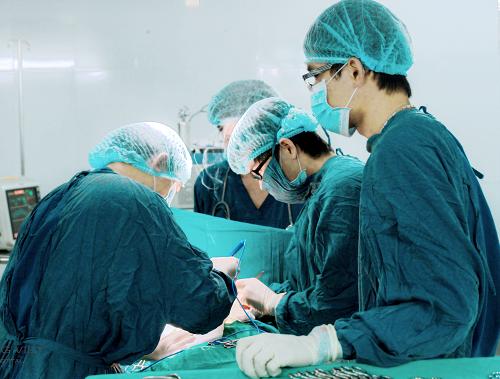 Phẫu thuật cắt bỏ ung thư đại tràng