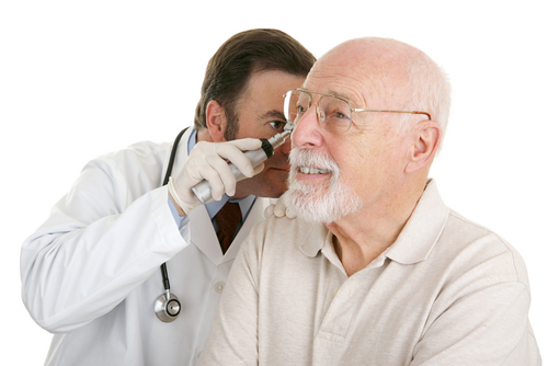 Bệnh nhân ung thư vòm họng thường xuyên bị ù 1 bên tai và có thể bị điếc nhẹ.