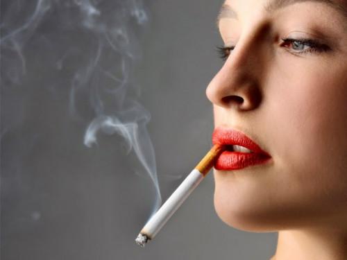 Hút thuốc lá là nguyên nhân hàng đầu gây ra bệnh ung thư phổi