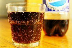 Không dùng các loại nước uống có chứa cồn, nước uống có gas