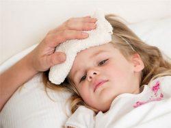 Bệnh ung thư máu ở trẻ em có hiện tượng sốt kéo dài và nhức đầu